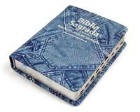 Bíblia Sagrada com capa estampada de jeans. O jeans é um vetor de aproximação do contexto religioso para os jovens.