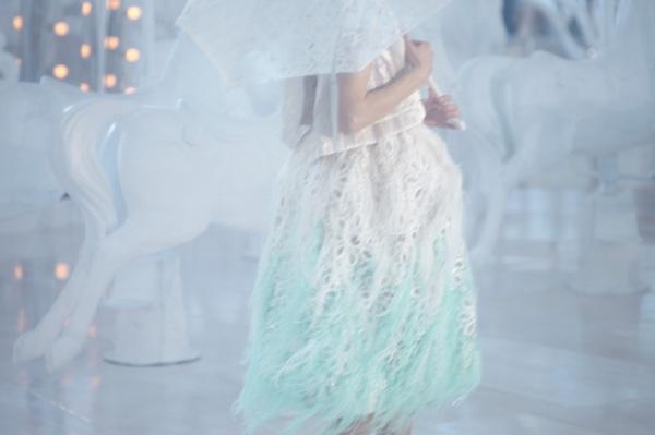 Quem é a mulher que nós, designers de moda e estilistas, vestimos, se não uma ideia de mulher?