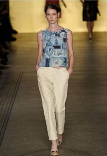 Blusa de patchwork de jeans.