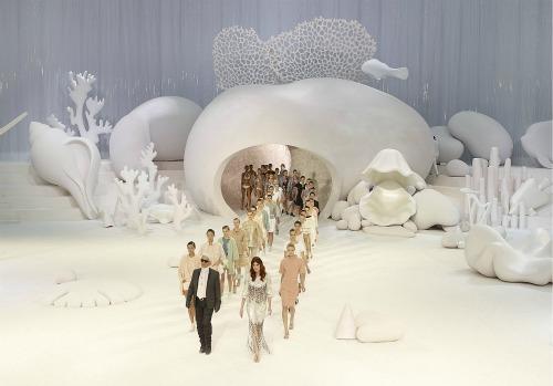 O fundo do mar da Chanel inspira grande parte dos estilistas brasileiros.