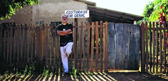 Ronaldo Fraga lança coleção de biojoias