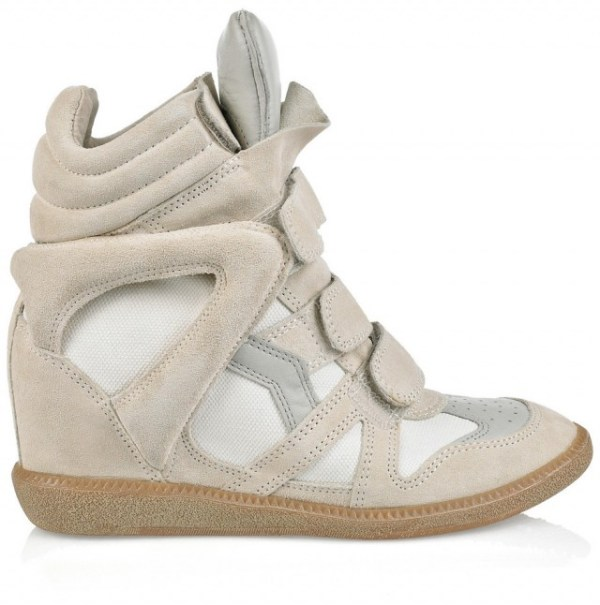 Sneaker da Isabel Marant: tem um salto alto embutido. Foi coqueluche no primeiro semestre de 2012 e agora está no momento de sobre-vida, isto é, declínio no ciclo de vida do produto (nada de ACV aqui não, é o ciclo nascer, crescer/amadurecer, manter vendas estáveis e entrar em declínio).
