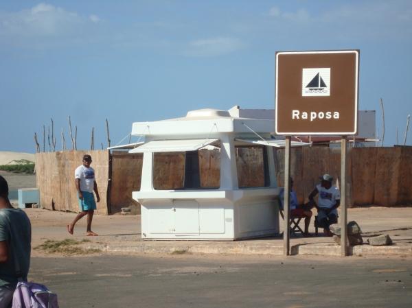 Raposa, no Maranhão, reúne pescadores e rendeiras, muitos vindos do seco sertão cearense em busca de uma vida melhor.