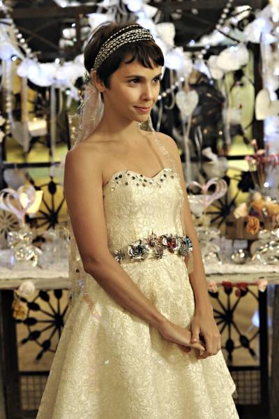 Nina: vestido de noiva na trash fashion.