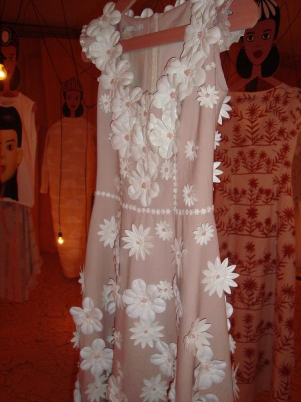 Vestido fiel à essência das cerâmicas do Vale do Jequitinhonha!